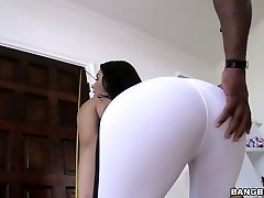 Sporty and fit Valentina Nappi blacked brutally in gonzo clip