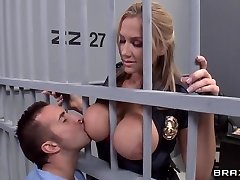 Alanah Rae ultra-kinky as fuck from this bulky prisoner