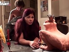 FUN MOVIES Jizzing the Huge-titted maid