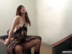 Farmer lady masturbates and fellates her uncle