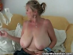 Granny with big tits drains in tights