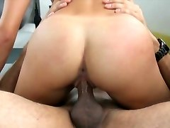 Audition Couch-X blonde gymnast gets nimble