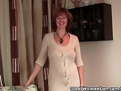 Redhead Milf Gets Her Raw Mature Snatch Finger Fucked By Photographer