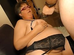 Hardcore Omas - Amateur German granny takes cock and cum on mammories
