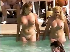 Hairy natural cootchies at pool party