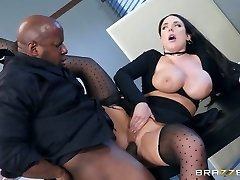 Angela White & Prince Yashua in Utter Service Banking - BrazzersNetwork