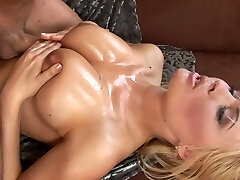 Anastasia tongues that stick and does a titjob