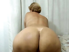 Latin Mom with a Huge booty