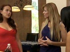 Horny Lesbian, College hardcore clip