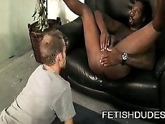 Muscle dude Hole Hunter enjoys getting his ass licked.