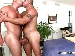 Masseur\'s gay butt nailed good on massage table