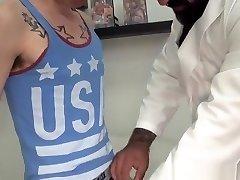 Tatted bear barebacking twink doggystyle