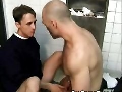 Muscled gay dude fucks his sexy part3