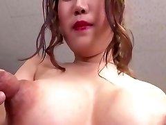 stora stora bröst jätte bröstvårtor