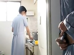 Nurse in Clinic cant fight back Patients 2of8 censored ctoan