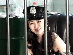 Japansk Dominant Kvinna Fångvaktare Löskuk