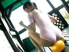 Güzel Japon kitty Sumire Aihara deve tırnağı! onu gösteriyor