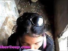 Heather Dyp utforsker sti i jungelen og få creamthroat i forlatte toalett