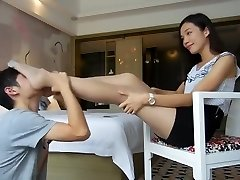 Chinese femdom's footslave