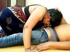 Indian Big Boobs Saari Girl Blowjob and Munching BF Cum