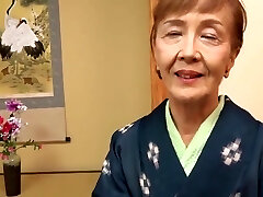 Japanese 70years old granny pummeled