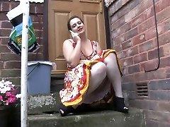 Voyeur 1 - Chubby stunner sitting outdoor (MrNo)