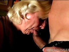 Chunky mature blonde is a super hot drill and enjoys facials