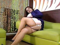 LATINCHILI Rosaly is stroking her fat latin granny pussy