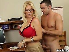 Oral sex lesson with my torrid blondie teacher