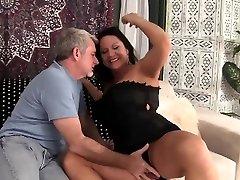 Hot granny gets her poon penetrated