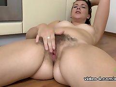 Jessica Biel in Masturbation Movie - AtkHairy