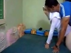 Hijab otrogen arabiska Fru anal kapali arkadan