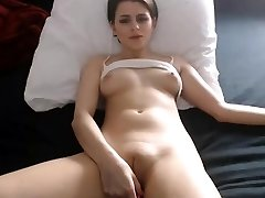 Sexy babe nipples frigging fat cameltoe pussy