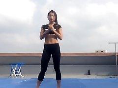 Korean chick Bodyfitness Minsoo workout 02