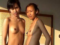 Innocent Thailändska cutey Saori 18 fingered