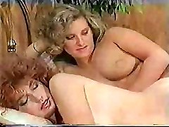 Big-dicked tranny makes her sexy girlfriend feel really thrilled