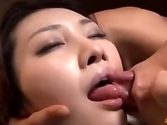 I poke my tenant's wife when he go to douche