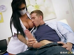 Brazzers - Dirty nurse Candy Sexton gets her tits deep-throated