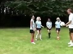 Four British Students are very nice to their PE teacher