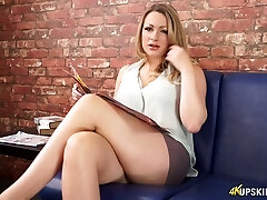 Appealing Cent Lee flashing shaved pussy upskirt in softcore video