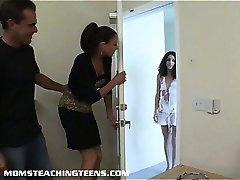 Tonåring Missy får analed hårt under ledning av milf Vanessa