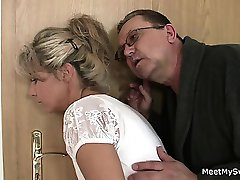 Holy shit! Family threesome with my girlfriend!!