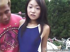 Söta asiatiska tonårig flicka blir torterade part4