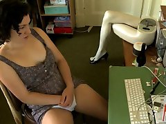Girl Watching Porno & Masturbation,By Blondelover.