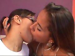 deep kissing 645