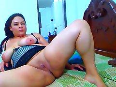 Latina Babe Nude Show
