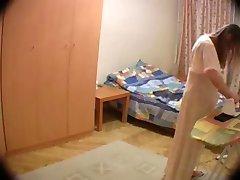 Gömda i fru's rum
