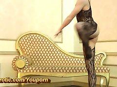 Amazing flexible Ballerina in nylons (HD)
