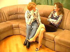 Mature Leila and her foot slave