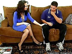 Isabella Manelli seducing a young guy